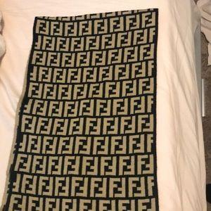 FENDI winter scarf